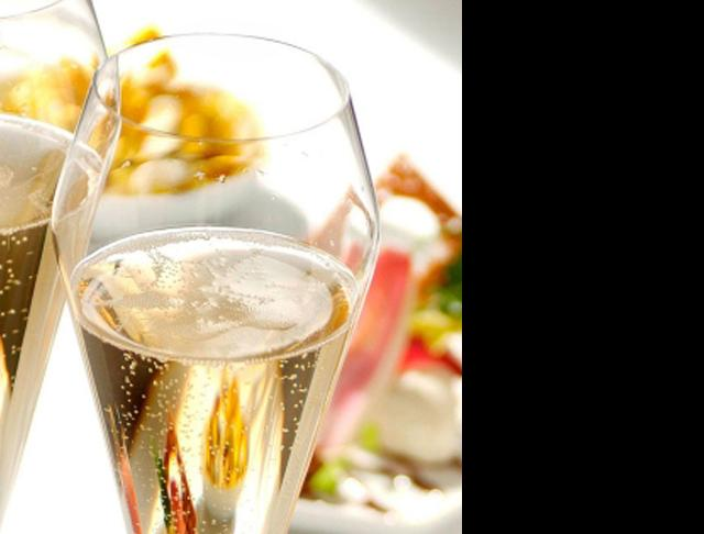 wills catering wine glasses