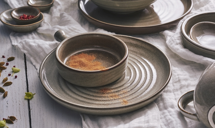 Robert Gordon Porcelain Tableware
