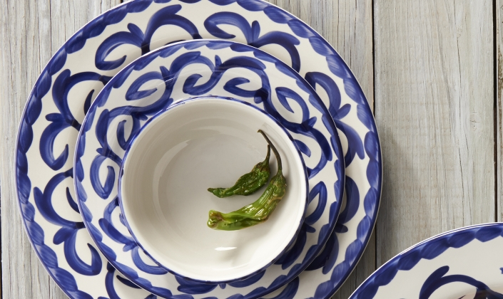 Puebla brings old world charm to both traditional and modern Mexican cuisine. Hand painted by authentic skilled Mexican artisans Puebla is undeniably ... & Puebla - Anfora - Stoneware - Tableware
