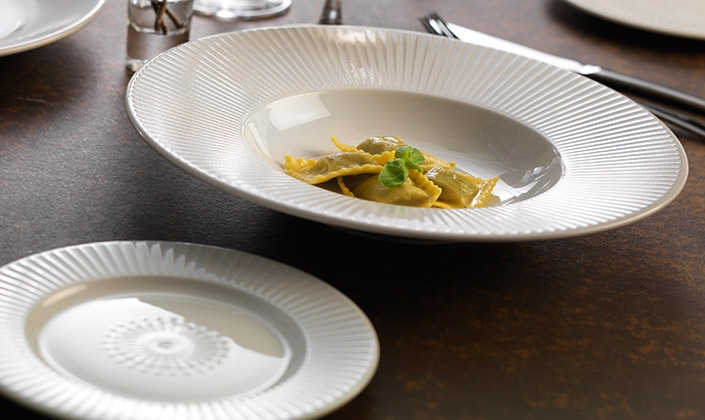 Willow has been awarded the sought-after Red Dot seal of approval for outstanding design The Red Dot Award has worldwide recognition as a mark of ... & Willow - Steelite Distinction - Alumina Vitrified - Tableware