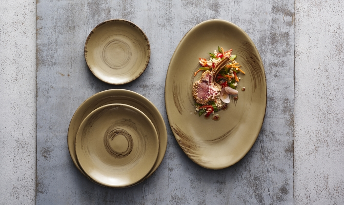 This one-of-a-kind design creates a unique food experience. The Alma collection represents unrefined beauty and brings a touch of elegance to any table. & Alma - Anfora - Stoneware - Tableware